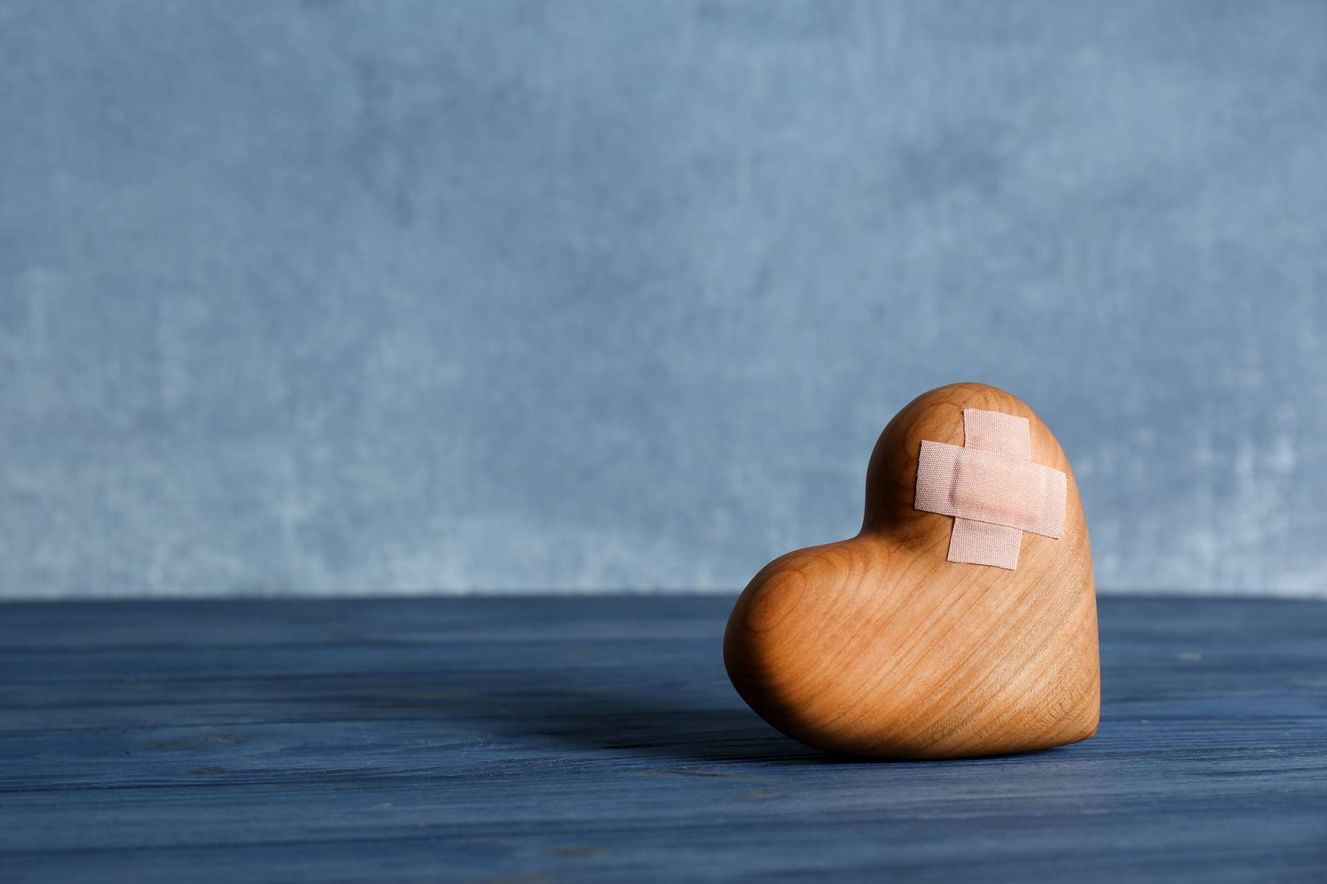 Un cœur brisé affecterait plusieurs aspects neurologiques. © New Africa, Adobe Stock