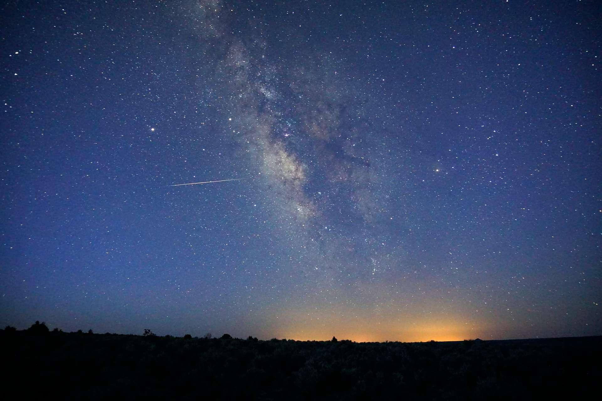 Une étoile filante de l'essaim météoritique des Lyrides aperçue en avril 2018. © Mike Lewinski, Flickr, CC By 2.0