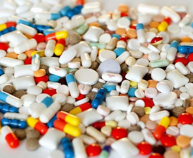 Les excipients permettent, entre autres, de donner leurs formes caractéristiques aux médicaments. © Gatis Bribusts, Flickr, CC by-nc 2.0