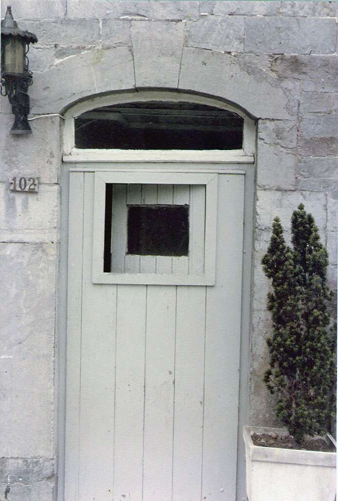 Un vasistas est une petite ouverture aménagée sur une porte ou sur une fenêtre. © L. Mahin, CC BY 3.0, Wikimedia Commons