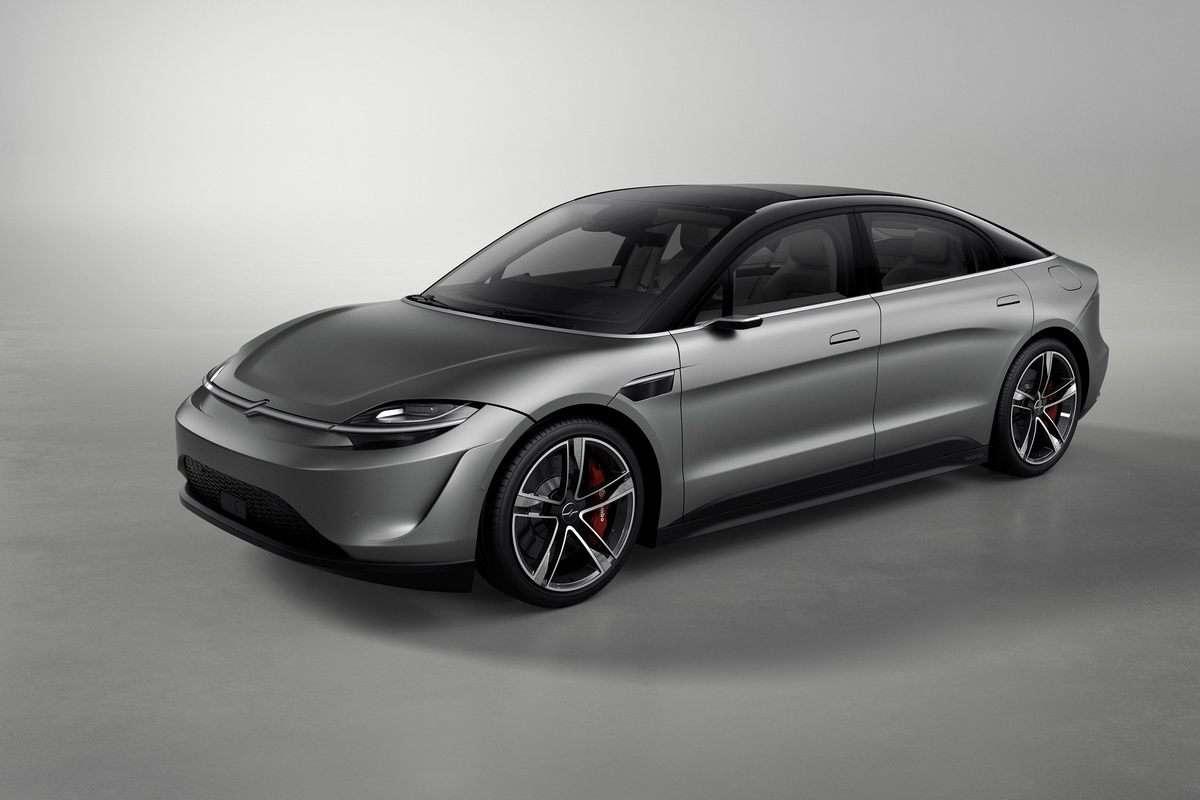 Certains traits de la Sony Vision-S rappellent la Tesla Model 3 ainsi que la Porsche Taycan. © Sony