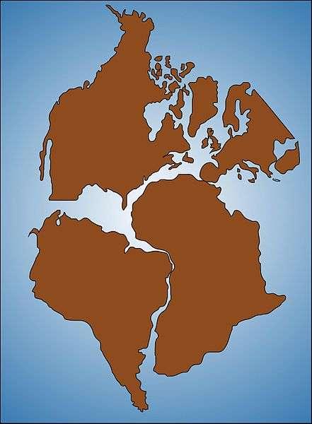 Représentation de l'ouest de la Pangée durant la séparation des continents. Les Amériques du Nord et du Sud sont visibles sur la gauche, respectivement en haut et en bas de l'image. Elles sont séparées par la Central American Seaway. © Gunnar Ries, Wikimedia common, CC by-sa 2.5