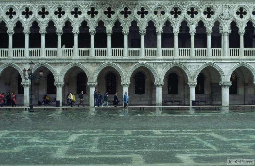 La période durant laquelle Venise peut être inondée suite à la survenue de hautes marées s'appelle Acqua Alta. Elle court de l'automne au printemps. © iJuliAn, Flickr, CC by-nc-sa 2.0