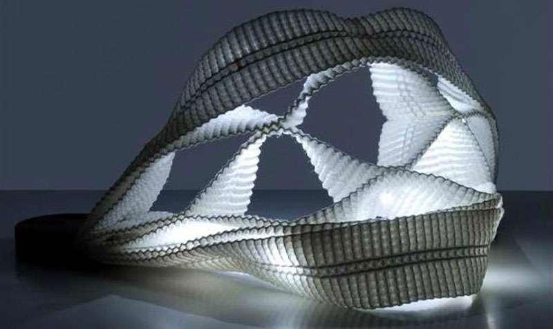 Les textiles du futur permettront de créer d'autres géométries. Il sera aussi possible d'intégrer des fonctions dans les vêtements. © Claire Roussel