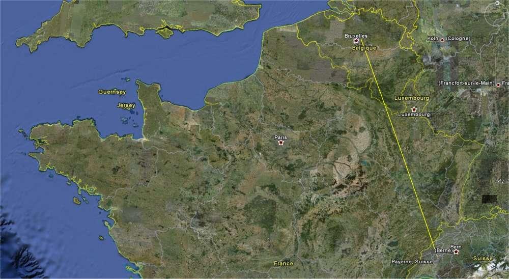 La trajectoire en ligne droite, obtenue sur Google Earth, d'une navigation Payerne-Bruxelles. Ce ne sera pas nécessairement la route que suivra le HB-SIA de Solar Impulse. © Google Earth