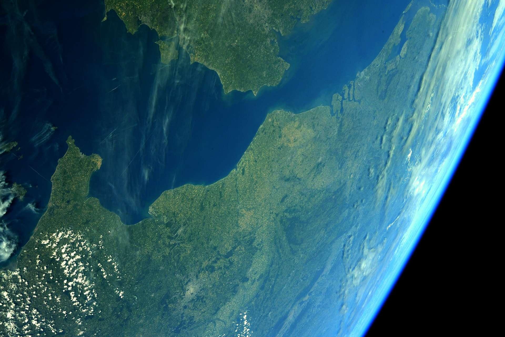 Le Nord-Pas-de-Calais, photographié par l'astronaute français Thomas Pesquet, en 2021. © ESA, Nasa, Thomas Pesquet
