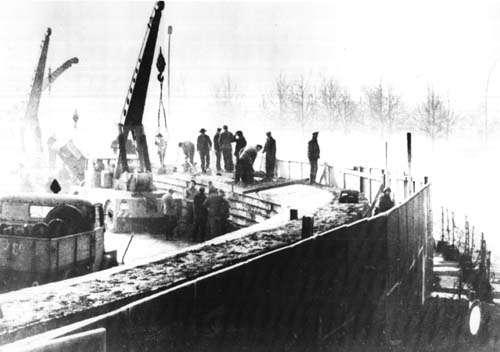 La construction du mur de Berlin a eu lieu en 1961 pour arrêter le passage d'Allemands de l'Est vers l'Allemagne de l'Ouest. © National Archives, Wikimedia Commons, DP