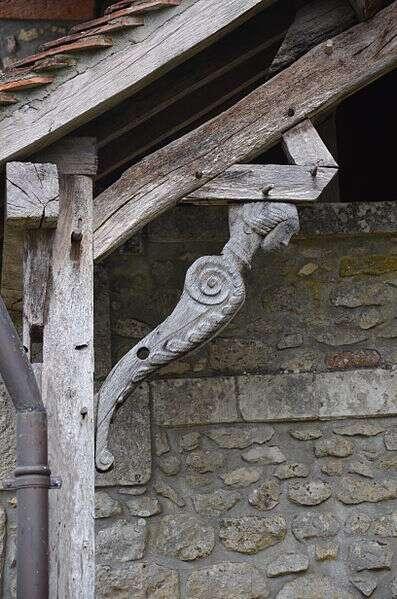 Une jambe de force en bois sculptée. © DC, CC BY-SA 3.0, Wikimedia Commons