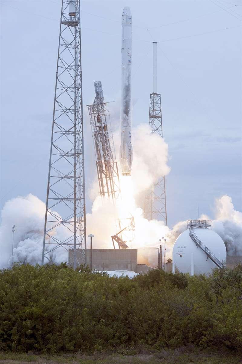 Décollage du Falcon 9 avec à son bord la capsule Dragon, le 18 avril 2014. © Nasa, Tony Gray et Tim Terry