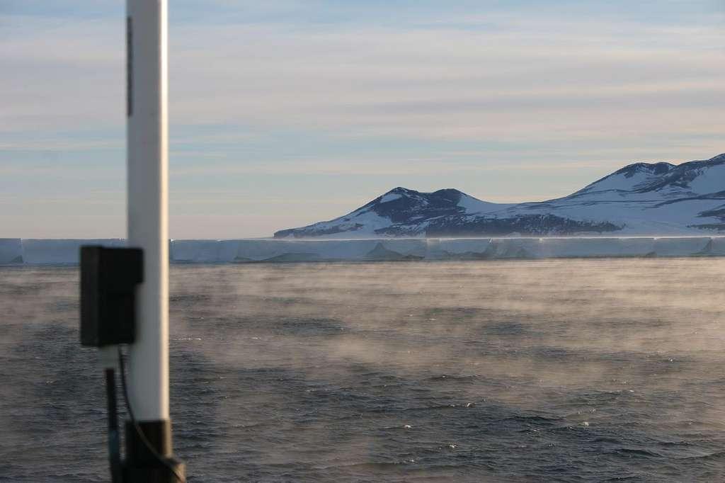 Plus grande plateforme de glace de l'Antarctique, la barrière de Ross est presque aussi grande que la France métropolitaine, avec 487.000 km2. © Bruce McKinley, Flickr, cc by nc nd 2.0