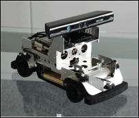 Une Robocar surmontée d'un module Kinect. Un bricolage en apparence seulement, qui pourra servir de banc de test pour des roboticiens. © ZMP