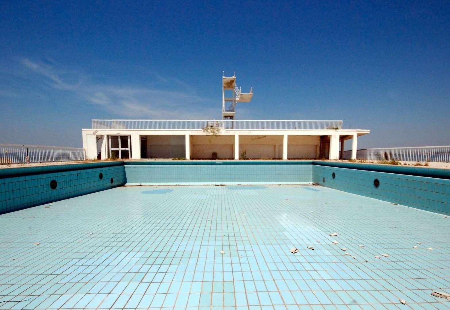 Pour carreler une piscine, il faut utiliser du mortier hydrofuge pour les joints, qui assurent une meilleure étanchéité. © Kalanchoé, Flickr, CC BY-NC-SA 2.0
