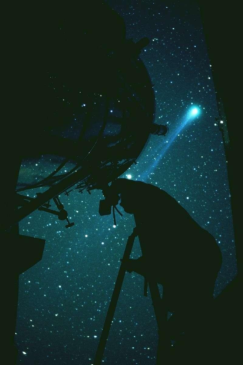 La comète Hyakutake au printemps 1996. Crédit J-B Feldmann