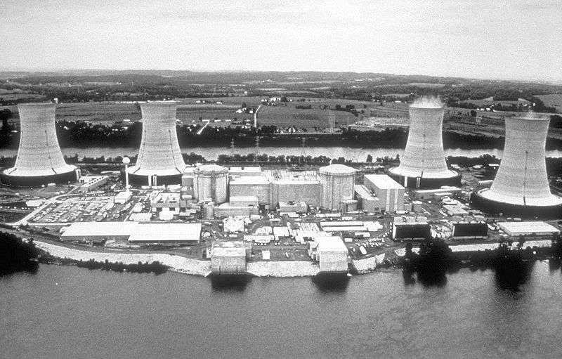 La centrale nucléaire de Three Miles Island qui connut en 1979 le pire accident nucléaire des États-Unis. © Centers for Disease Control and Prevention's Public Health Image Library, domaine public