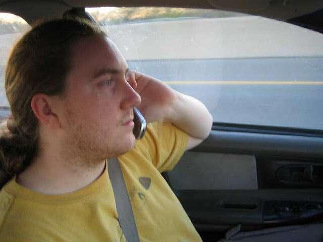 Être pris par la patrouille un téléphone en main au volant coûte 2 points en moins sur le permis et une amende de 35 €. © BluFlowr, Flickr, cc by nc sa 2.0