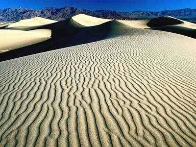 Quand les dunes de sable se réveillent après des milliers d'années...