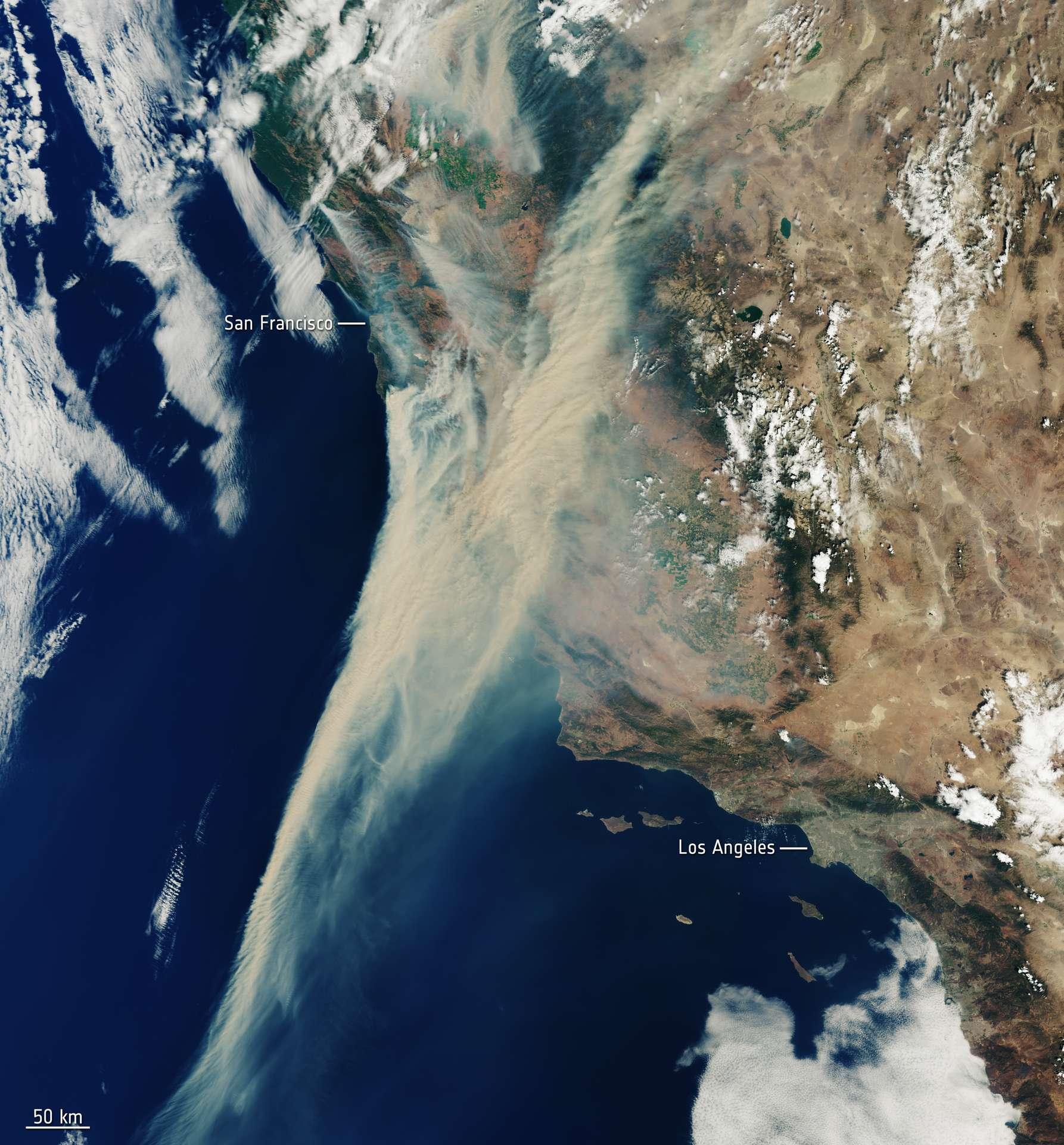 Les incendies en Californie, qui font rage en ce moment, vus de l'espace par le satellite Sentinel-3. © contains Copernicus Sentinel (2020), processed by ESA, CC by-sa 3.0, IGO