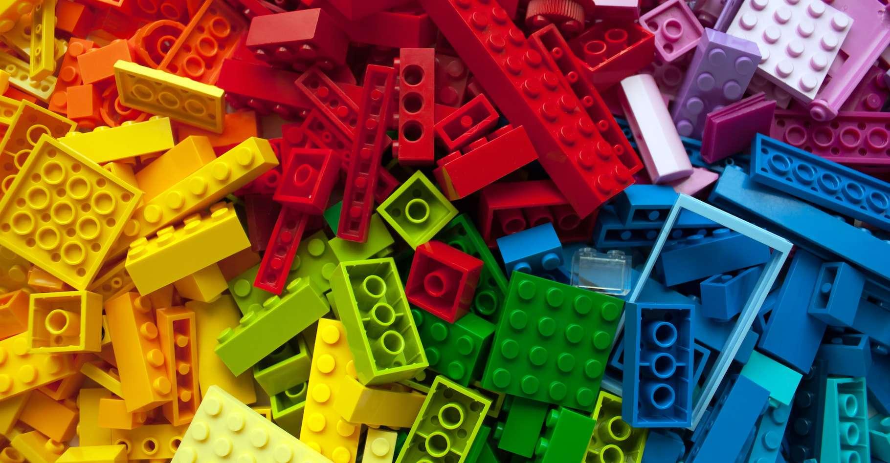 Au cours de leur développement, les Lego® ont été soumis à de nombreux tests de résistance. Aujourd'hui, des chercheurs de l'université de Lancaster (Royaume-Uni) ont tenté de les refroidir à des températures extrêmes. © Tatsiana, Adobe Stock