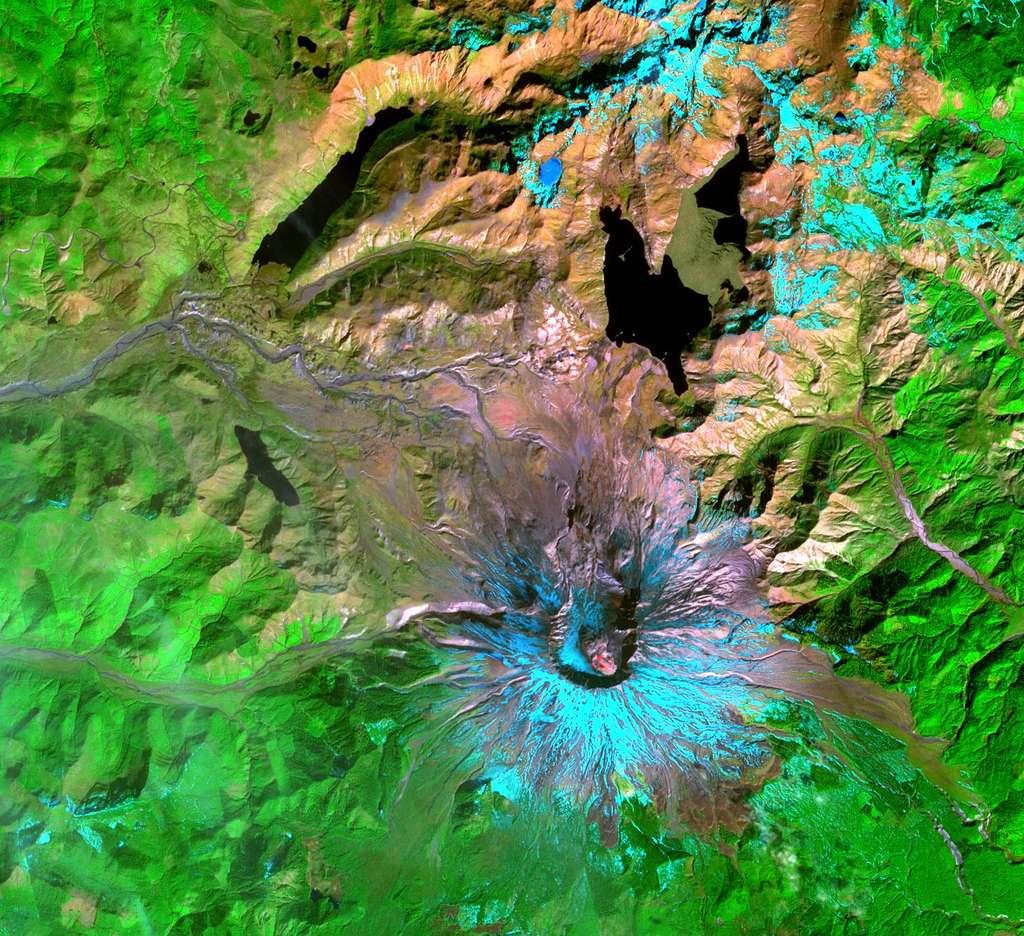 Le mont Saint Helens après éruption