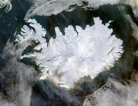 Vue satellitaire de l'Islande en hiver. © DR