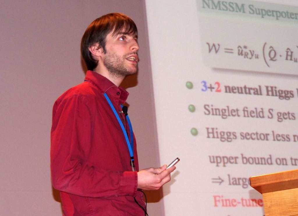 Julien Baglio présentant ses travaux sur le boson de Higgs lors de l'Hadron Collider Physics Symposium (HCP), à Kyoto, en novembre 2012. © HCP 2012 Local Organizing Committee