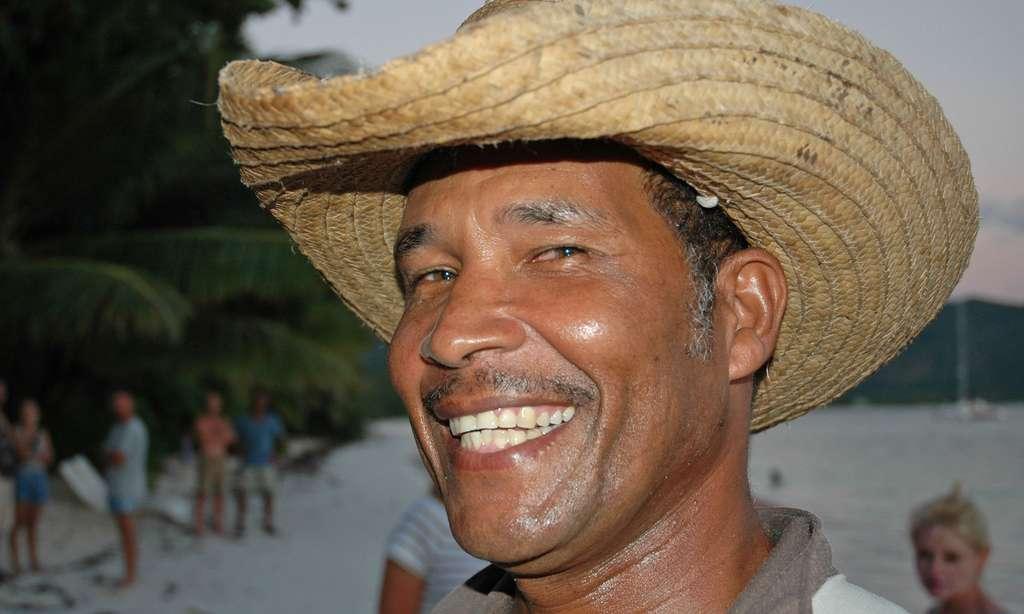 Sourire d'un pêcheur des Seychelles