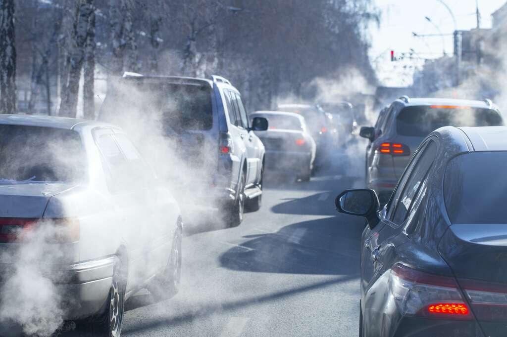 4.000 tonnes de CO2, c'est seulement l'équivalent des émissions d'environ 800 voitures… © Nady, Adobe Stock