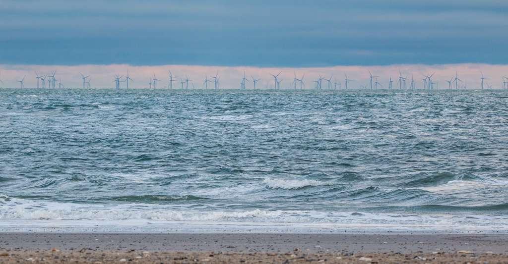 Les éoliennes peuvent être installées au large. © A-Different-Perspective, Pixabay, CC0 Creative Commons