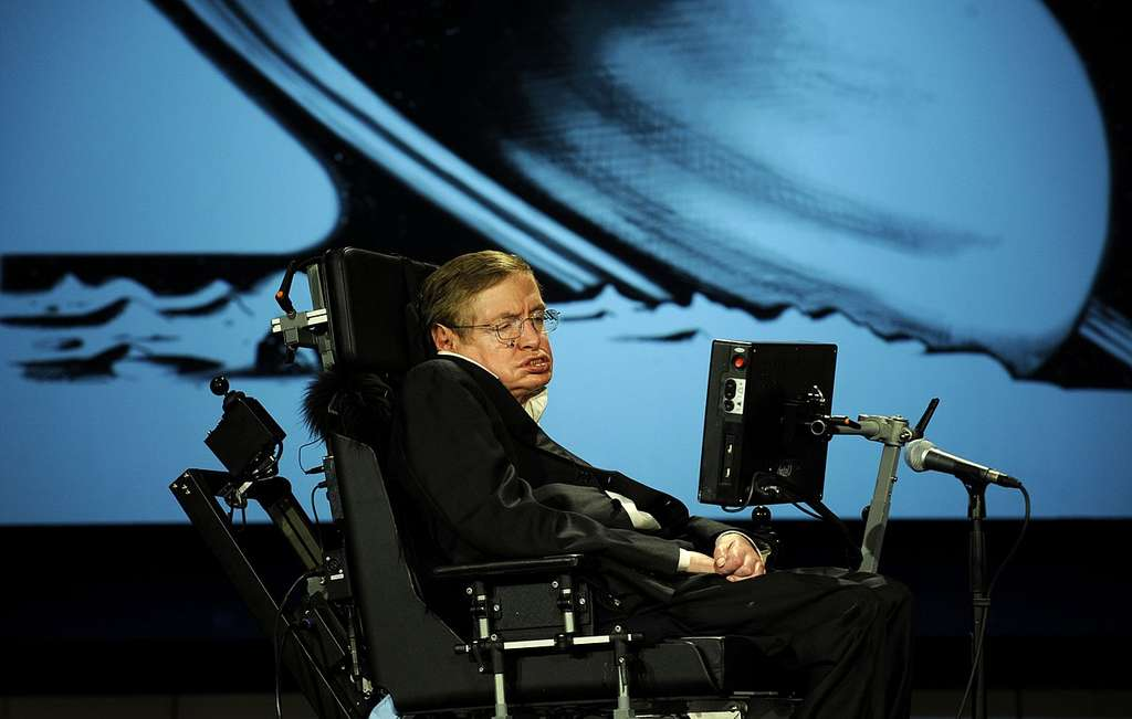 Le célèbre astrophysicien, Stephen Hawking, est décédé le 14 mars 2018. © Nasa / Paul Alers