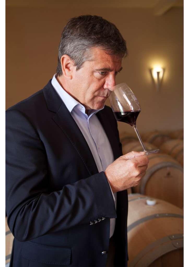 Vigneron réputé du Bordelais, Pierre-Jean Larraqué a récemment lancé une gamme unique, 100 % écoresponsable, issue de Vignobles en Haute Valeur Environnementale : Cap Nature. © SAS Pierre Jean Larraqué