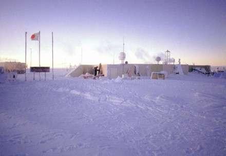 Une base en antarctique D'après Palinkas, les conditions de vie d'un vol longue durée seraient équivalentes