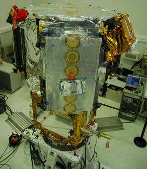 Smos et son instrument, le radiomètre interféromètrique Miras, bras pliés. Le satellite, construit par Thales Alenia Space, a été lancé en novembre 2009 par une fusée russe Rockot. © Rémy Decourt