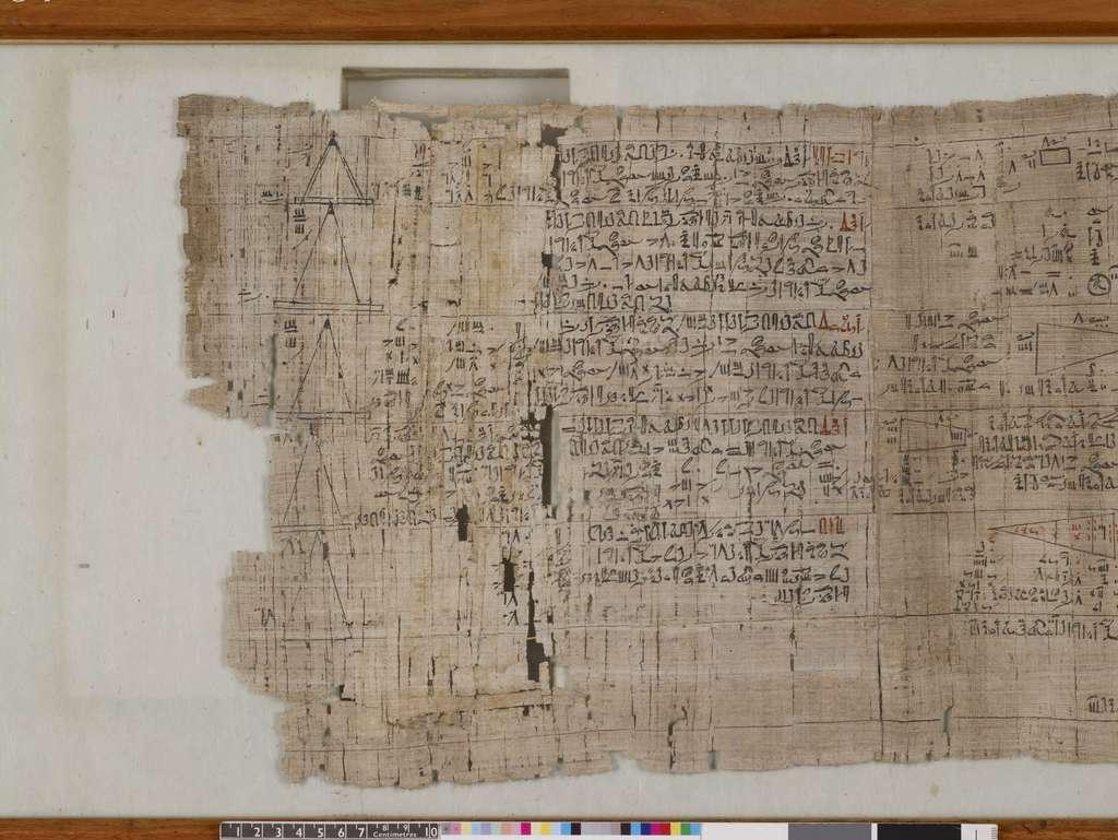 Le papyrus Rhind est l'une des sources les plus importantes concernant les mathématiques dans l'Égypte antique. © British Museum
