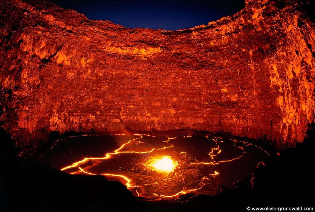 Le lac de lave de l'Erta Alé : le puits des enfers