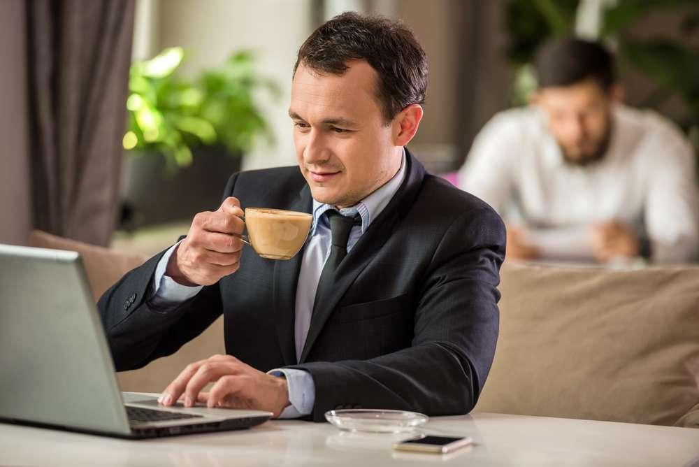 Le café serait bénéfique, qu'il contienne ou non de la caféine. © Yuriy Rudyy, Shutterstock