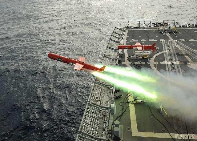 À l'origine, les drones aériens ont été développés pour des usages militaires, principalement pour des missions de reconnaissance, de surveillance et d'attaques ciblées. © U.S. Navy, Flickr, CC by 2.0
