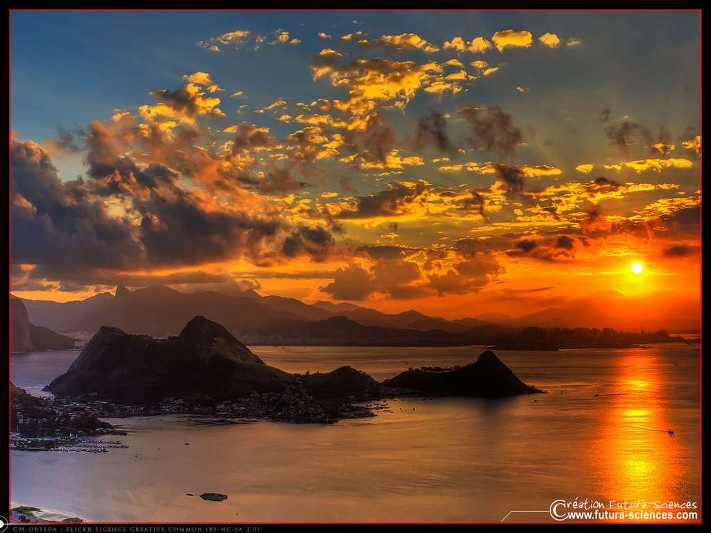 Se plonger dans la contemplation de l'horizon et de ses couchers de soleil, ou nager avec les tortues ? © Futura-Sciences