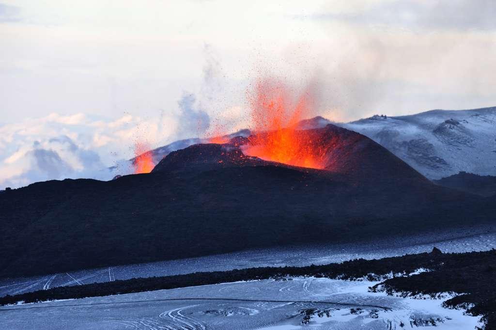Eruption de l' Eyjafjallajökull 2010-03-20