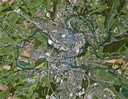 Méandres de la Meuse - Charleville-Mézières © DR