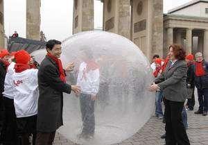 La campagne arrive à sa fin à Berlin devant la porte de Brandebourg. Crédit: BZgA