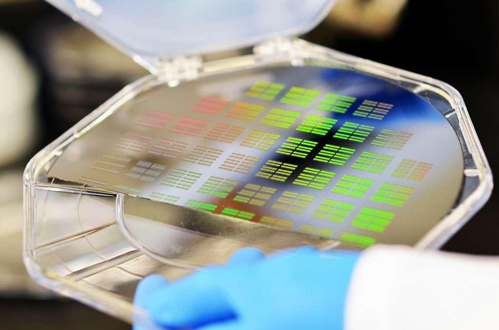 IBM Research développe actuellement des puces électroniques capables de pratiquer des analyses de bioparticules à l'échelle de l'ADN. © IBM
