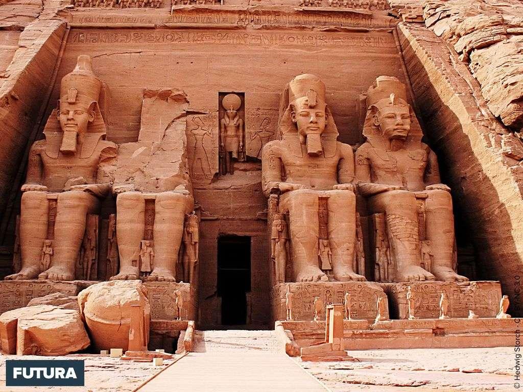 Temple d'Abou Simbel construit par Ramsès II