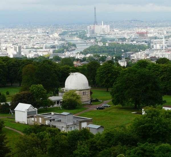 Le site de l'observatoire de Meudon vu depuis le sommet de la tour solaire. Crédit J.-B. Feldmann