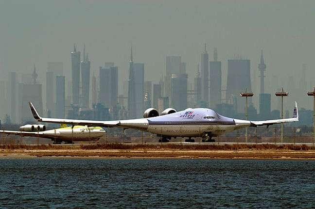 Hoax : le Boeing 797, un vrai-faux projet d'avion géant
