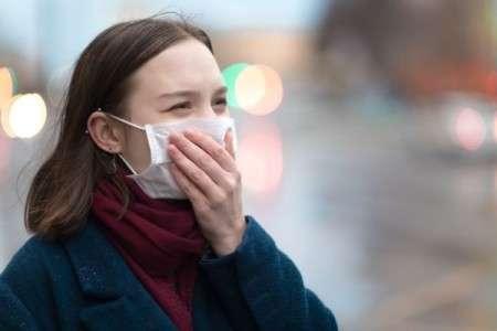 Le port du masque est vivement recommandé. Il doit couvrir la bouche et le nez. © ArtMarie, Istock.com