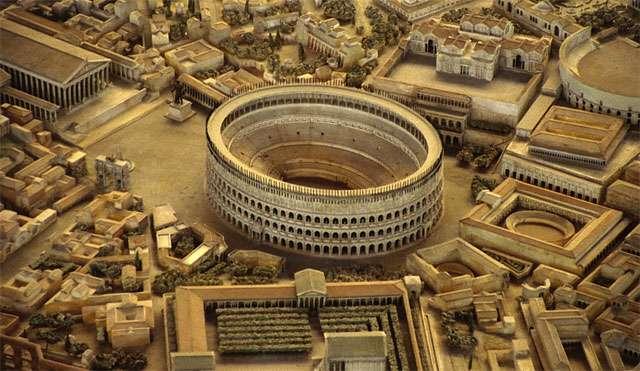 Cette maquette, exposée à Rome, de la ville telle qu'elle était pendant l'Antiquité, montre un labyrinthe de petites rues. La construction du Colisée commença en 70 ap. J.-C., soit peu après l'incendie de Rome. © DR