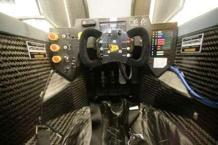 C'est le pilote de la RAF Andy Green qui se trouvait dans le cockpit au moment de la tentative de record (Crédits : JCB)