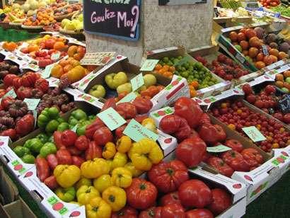 On peut déguster de nombreuses variétés de tomates. Ici, des tomates anciennes. © Popolon, Wikipédia