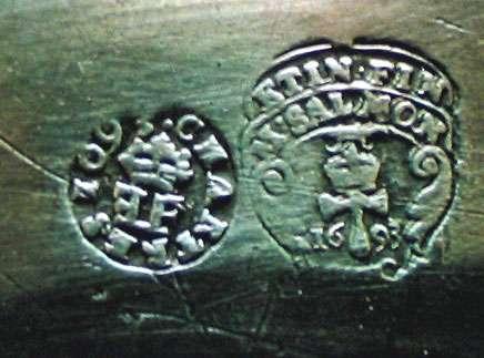 Poinçon de Salmon de Chartres, de 1693. © DR