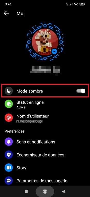 Le mode sombre est désormais disponible sur votre profil et il suffit de déplacer le curseur pour l'activer. © Facebook